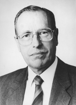 Hans-<b>Jürgen-Bretschneider</b>-Posterpreis des Basic Science Meetings - Hans-Juergen-Bretschneider-268x367